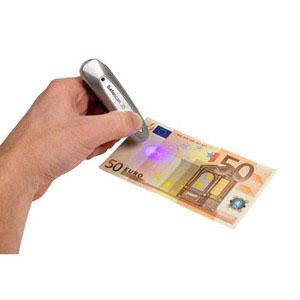 Penna verifica banconote